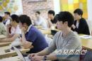 청년 창업 프로그램 '오렌지팜', 스마일게이트 권혁빈 회장이 정성을 들이는 이유는?